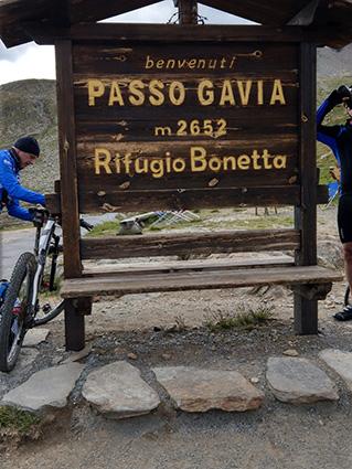 Gavia Pass Schild